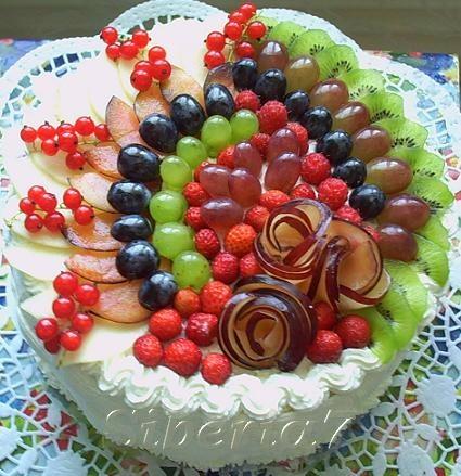 Как красиво украсить торт?
